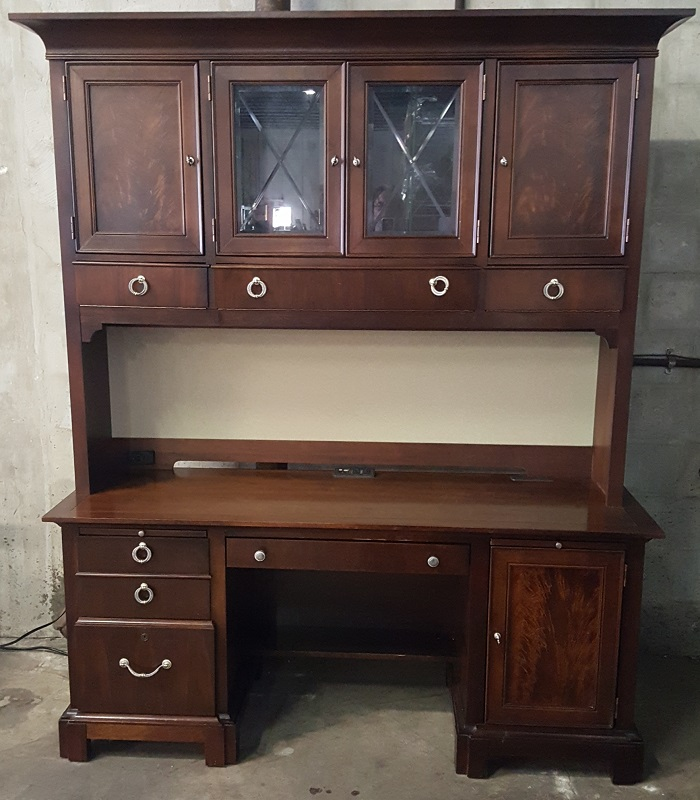 Stanley Furniture Desk With Hutch $399