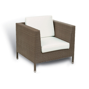 At Common Sense of Orlando, our outdoor lounge furniture section covers anything from dining tables to umbrellas and canopies.