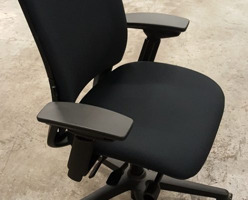 Common Sense Office Furniture carries the largest variety of conference room chairs in Orlando.