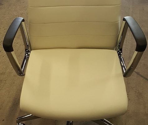 Common Sense Office Furniture carries the largest variety of new and used conference chairs in Orlando.