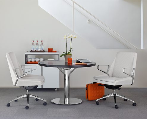 Common Sense Office Furniture carried a large number of executive chairs from different manufacturers, like SitOnit or Arcadia.